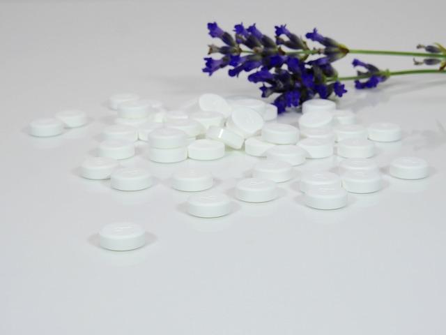 modrá květina, tabletky