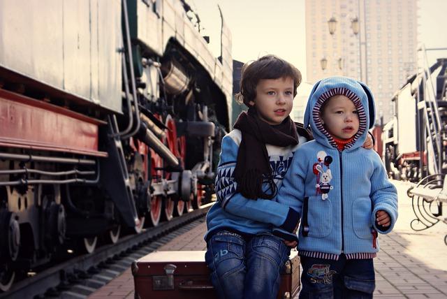 děti u vlaku